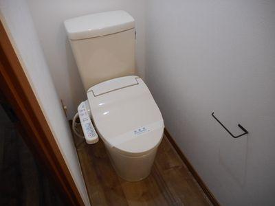 清潔感のあるトイレ、又、ウォシュレットはサービス品