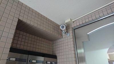 安心セキュリティとして一階エントランスに防犯カメラ付いてます