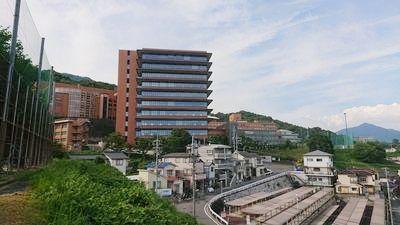 通学が楽な学校周辺の物件から、バイトも多いJR『横川駅』に通い易いJR『祇園駅』周辺物件や市内中心部から深夜バスの運行もある国道183号沿い物件まで。